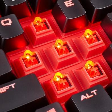 Teclado Mecânico Gamer Corsair K68, LED vermelho, Switch Cherry MX Red, US - CH-9102020-NA